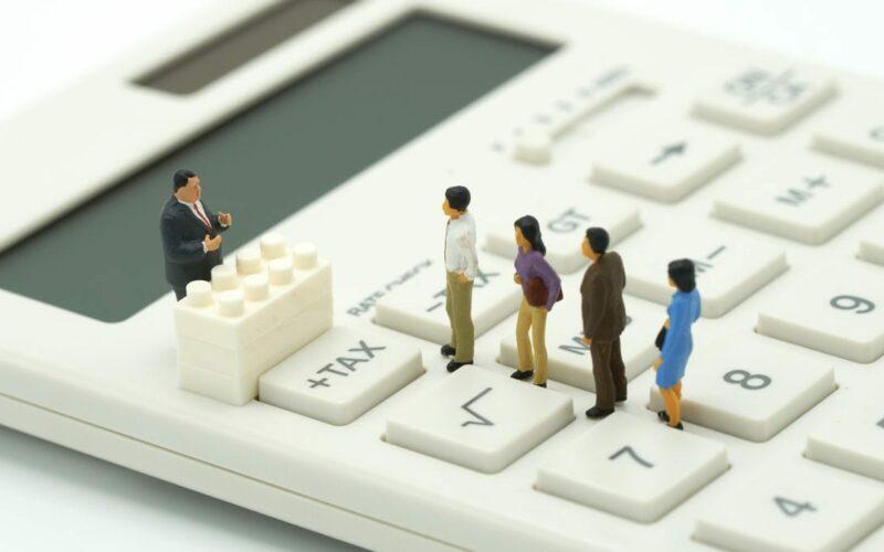 Иллюстрация отчисления налогов
